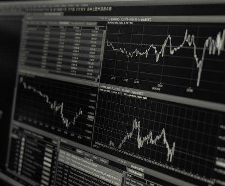 Variação do dólar: a influência das eleições no mercado e comércio exterior